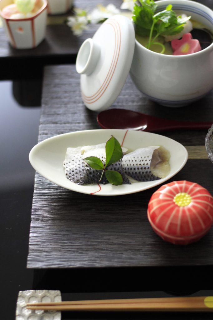 赤い糸結び豆皿