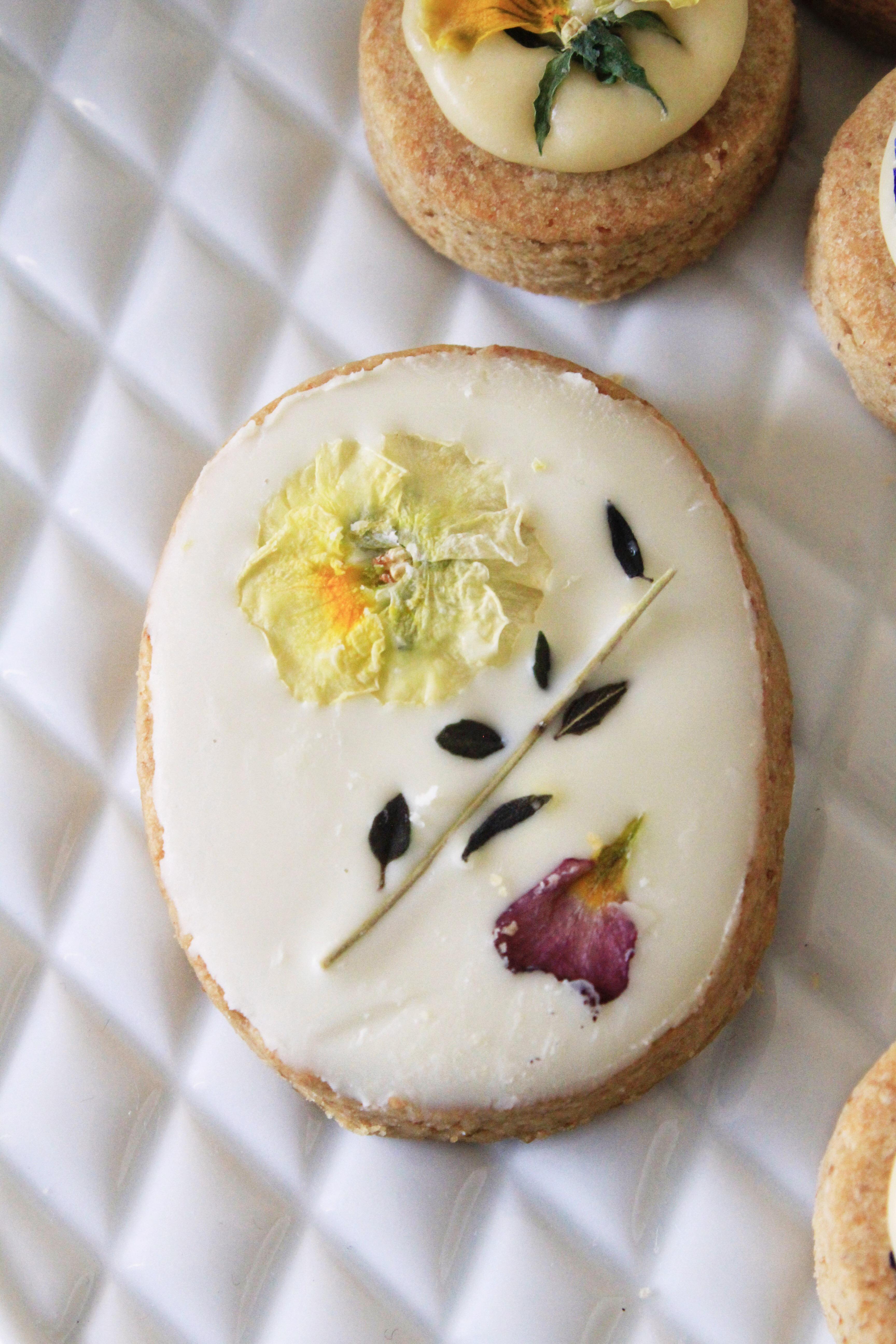 お花と甜菜糖のアイシングクッキーで母の日写真③